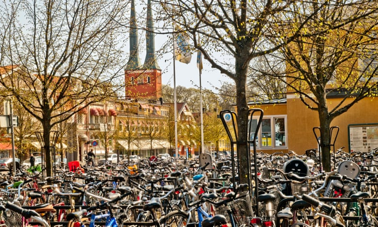 Växjö is focusing on increasing the uptake of cycling as part of its mission to be fossil-fuel free by 2030. (Photograph: T Hedley/Alamy)