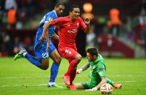 Carlos Bacca rounds Dnipro goalkeeper Denys Boyko before slotting the ball into the net to give Sevilla the lead. What a turnaround!