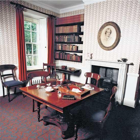 اتاق کار شارلوت برونته در یورکشایر