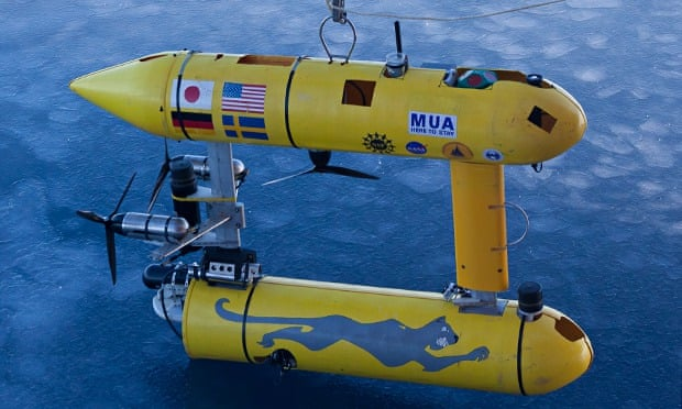 The Autonomous Underwater Vehicle (AUV) Puma in the East Antarctic Seato mesure sea ice.