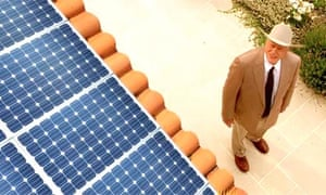 Dallas actor Larry Hagman promotes solar powar company