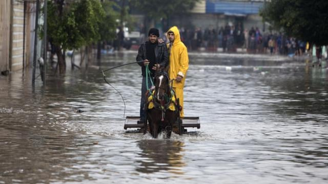 Gaza hit by heavy rains and flooding - video...