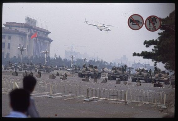 Tiananmen Square: Tanks remain in Tiananmen Square