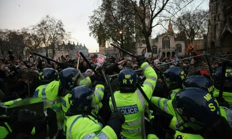 Police Protest Tactics Police And Protesters Clash in