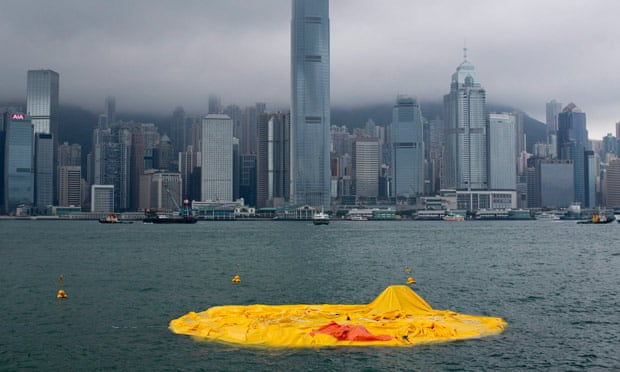 http://i.guim.co.uk/static/w-620/h--/q-95/sys-images/Guardian/Pix/pictures/2013/5/15/1368623792034/Hong-Kongs-Rubber-Duck-011.jpg