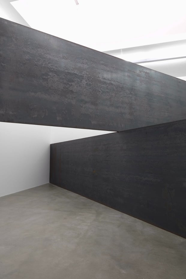 Richard Serra London Cross
