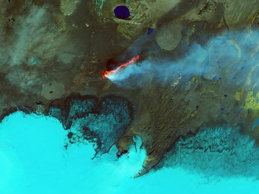 Roiling flujos en Holuhraun campo de lava