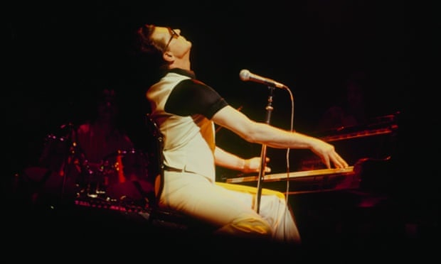 Jerry Lee Lewis performs on stage at the Rainbow Theatre in London, England in December 1978. (Photo by David Redfern/Redferns)