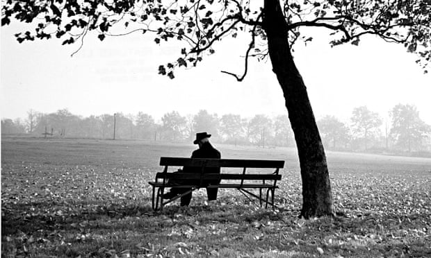 Man-sitting-on-a-bench-un-012.jpg
