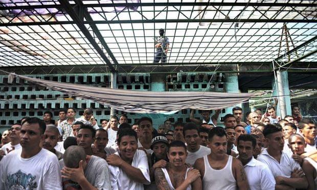 Calle-18-gang-in-jail-012.jpg