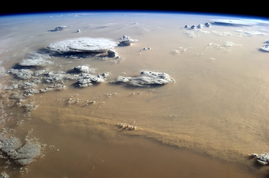 El polvo y las nubes Danza sobre el Sahara