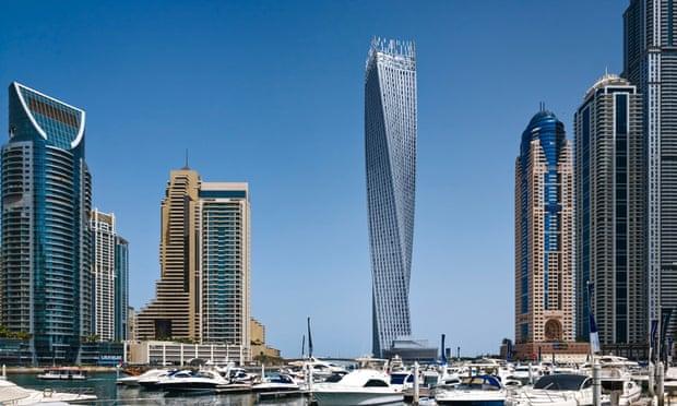 برج Cayan، واقع در امارات متحده عربی، دبی