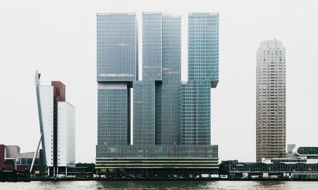 برج De Rotterdam در روتردام هلند، متشکل از سه برج به هم پیوسته