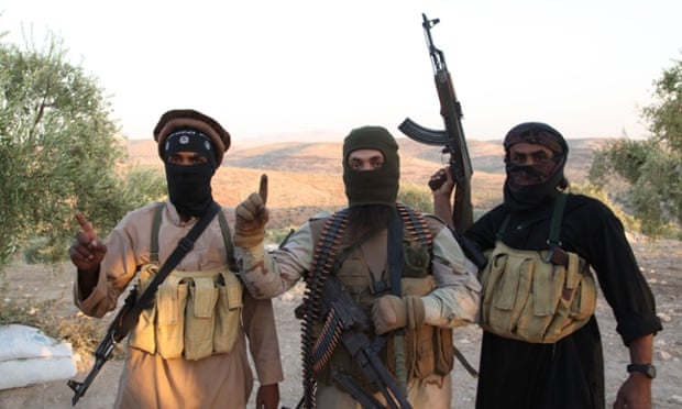 ISIS rebeldes soldados militantes na linha da frente