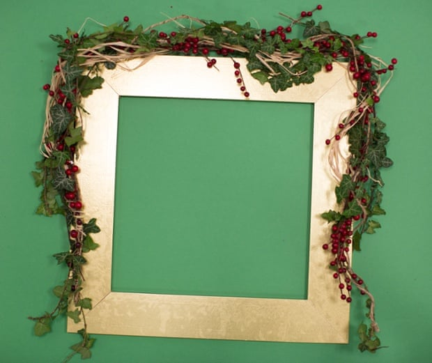 For pictures, mantelpieces or table decorations, try making this simple garland.