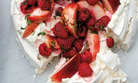 No Kiwi fruit: pavlova with raspberries, peaches and lime mascarpone ...