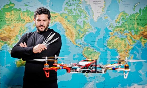 """Pourtant les drônes patrouillent partout en Haïti. Attention aux """"ebees"""". Andreas-Raptopoulos-014"""