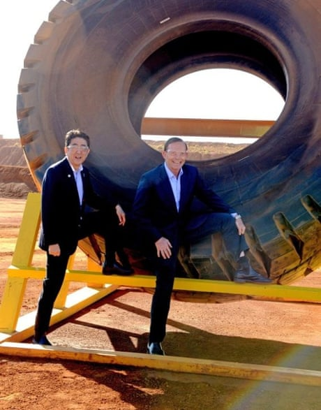 Australian and Japanese Prime Ministers demonstrate the benefits of the Free Silly Pose Agreement
