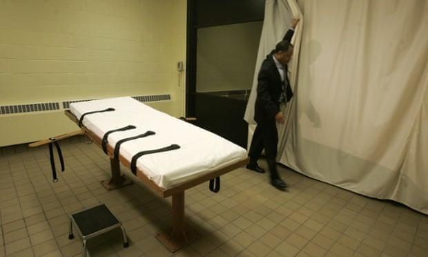 Death row inmates sue over execution drug