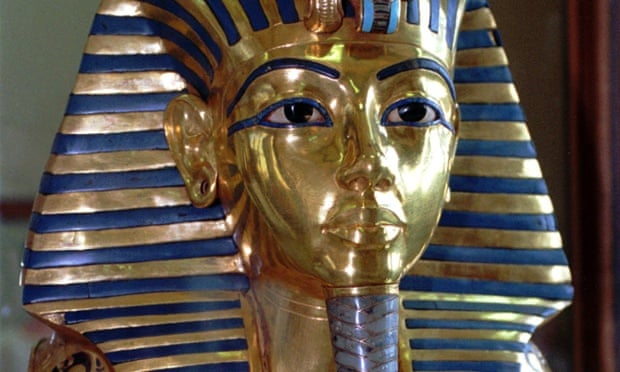 A pharaoh cop? A conservator said a gap between face and beard could now be seen on the mask of King Tutankhamun. Photograph: Mohamed El-Dakhakhny/AP