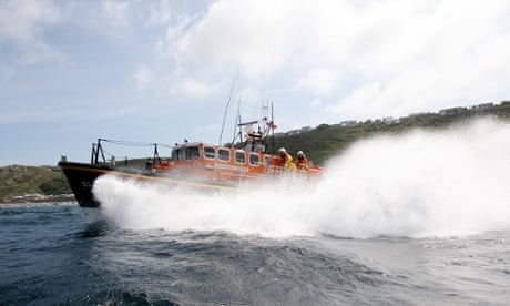 Coastguard searching for man swept out to sea in north Cornwall...