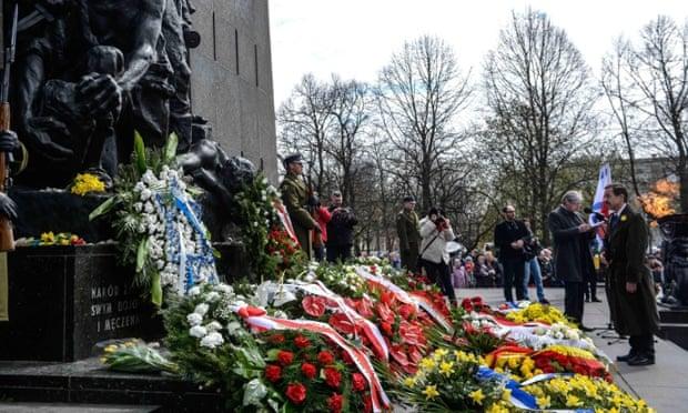 Us ambassador poland stephen mull monument