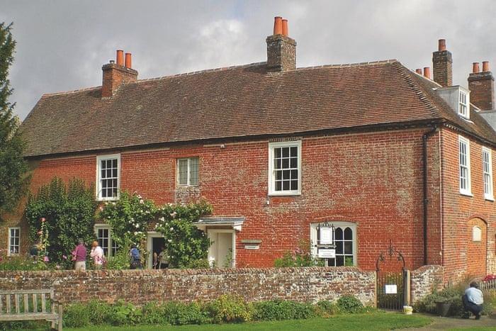 چاوتون همپشایر - منزل خانوادگی جین استین که امروز با حفظ ساختار و دکوراسیون قدیمی اش تبدیل به موزه شد