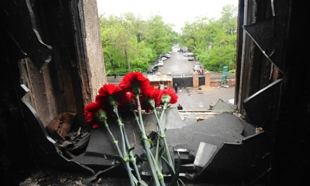 In the days following the fire hundreds went to view the damage inside the Trade Union building and leave memorials.
