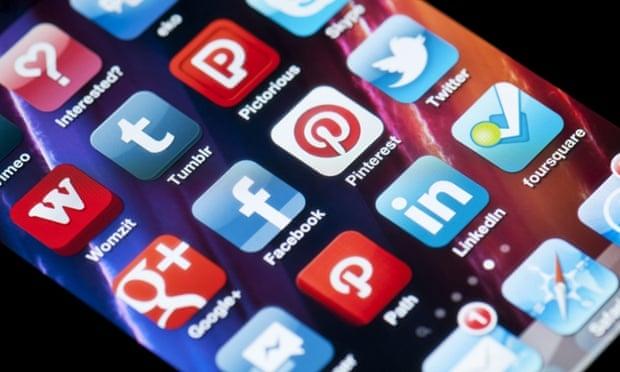 Россия 'заблокирует' Google, Твиттер и Facebook, если они откажут в данных блоггера