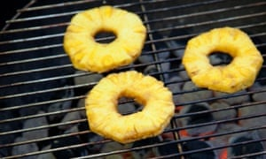 Pineapple rings: delicious stuck in a hamburger.