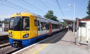 An Overground train at Gospel Oak station