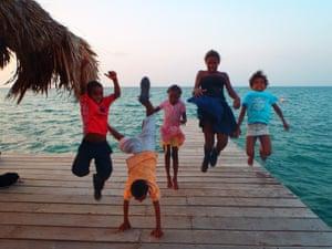 Children in the Islas del Rosario, Colombia
