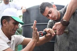 Building biogas equipment in Hakoritna Farm, Palestine