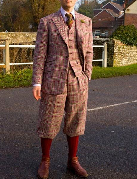 Tweed-suit-with-plus-four-001.jpg