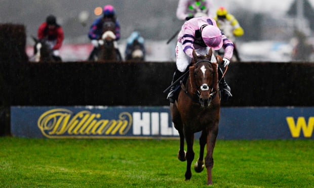 Silviniaco Conti wins the King George