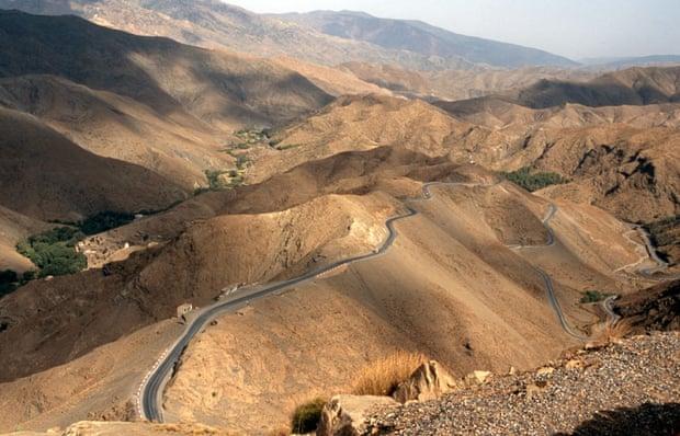 desenclavement de tamazirte ,Les Routes de l'Atlas Marocain Tizi-n-Tichka-Pass-High-A-001