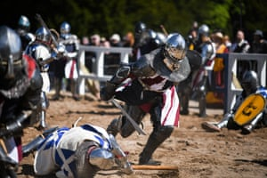 All armour worn by competitors must match historical examples