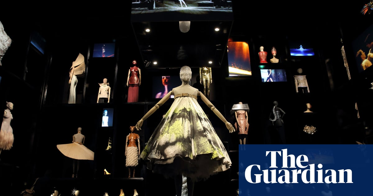 Alexander McQueen  Savage Beauty is most popular show in V A s history e92687c18b5