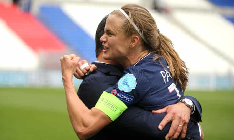 PSG captain Irene Parades celebrates