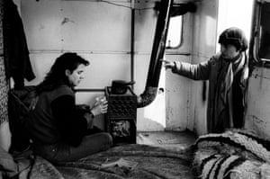 """Varda on the set of """"Sans toit ni loi"""" in 1985 with Sandrine Bonnaire"""