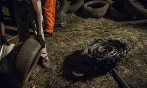 Changing burst tyres