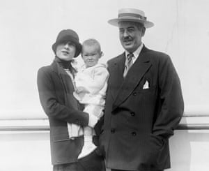 Gloria Vanderbilt with her parents, returning from a trip overseas in 1925.