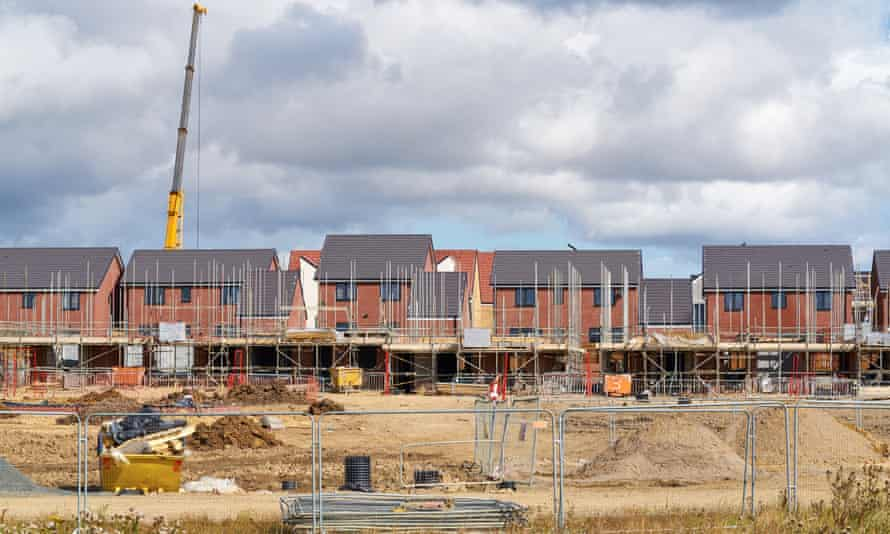 Newly built homes in a residential estate in England. The government plans to ban leaseholds on new-build homes.
