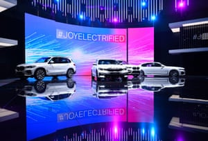 BMW's new electrified cars were presented together.