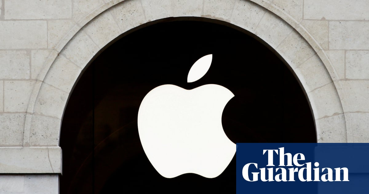 Apple and Google 'hold data hostage' and stifle competition, Senate told