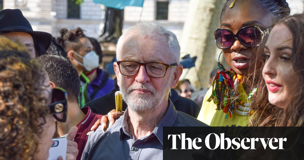 Jeremy Corbyn could be reinstated as Labour MP under leftwing challenge to Starmer