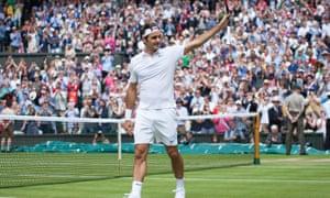 Williams sisters, Federer, Murray advance at Wimbledon