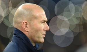 Real Madrid's French coach Zinedine Zidane looks on before the UEFA Champions League football match SSC Napoli vs Real Madrid on March 7, 2017.