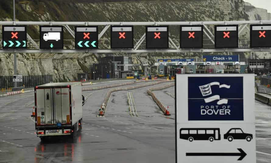 Lorry approaching customs control