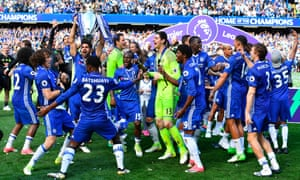 Chelsea celebrate winning the 2016-17 Premier League title
